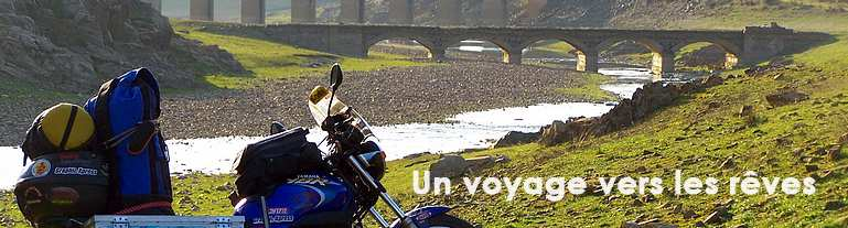 Motorcycle Tour Around the World - Tour du monde en moto, d'Argentine jusqu'en l'Australie (2003-2009), par Gustavo Cieslar et Elke Pahl.