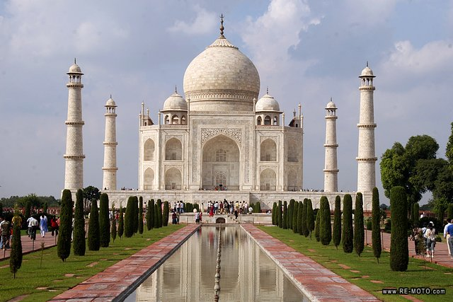 Having the Taj Mahal right in front of our eyes was more appealing than we had ever imagined.